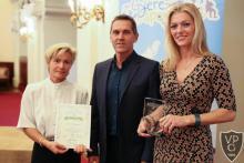 Budapest legsportosabb iskolái között a VPG - Páva Katalin, Part Éva tanárnők és dr. Nébald György